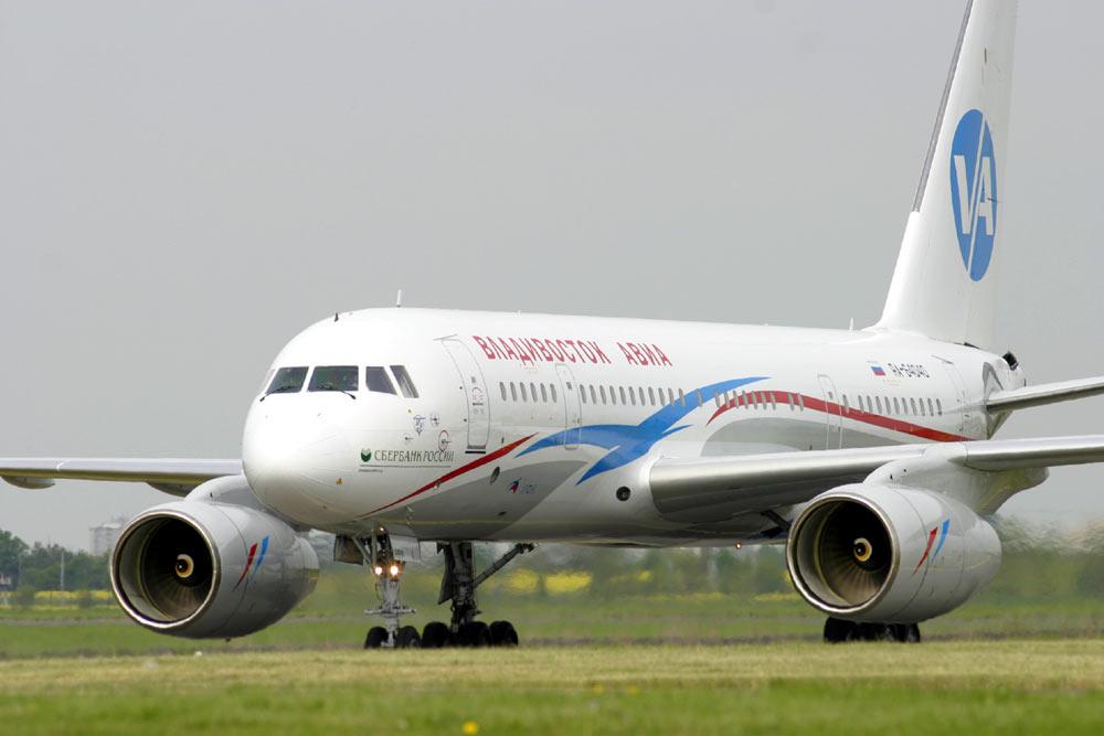 Самолет Ту-204, вылетевший из Москвы в Хабаровск, был вынужден в