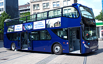 8000_Bus Es-Sr Willy-Brandt-Platz_125_230513_212